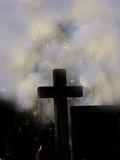 Cruz en la niebla fotografía de archivo
