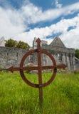 Cruz grave céltica oxidada Imagen de archivo libre de regalías