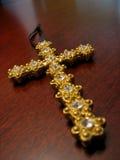 Cruz jeweled oro Fotografía de archivo