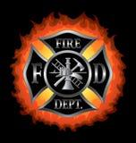Cruz maltesa del cuerpo de bomberos con las llamas Foto de archivo