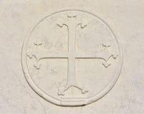 Cruz medieval com os trevos em Veneza imagem de stock royalty free