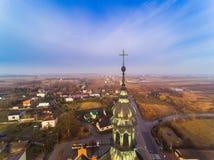 Cruz na igreja Fotografia de Stock Royalty Free