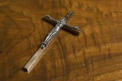 Cruz na madeira antiga Imagem de Stock