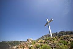 Cruz na montanha Foto de Stock Royalty Free