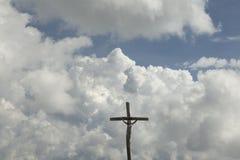 Cruz no céu Fotos de Stock
