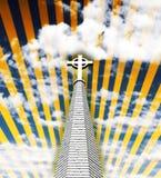 Cruz religiosa no céu Imagens de Stock