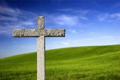 Cruz religiosa no paraíso Imagens de Stock Royalty Free