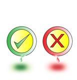 Cruz Roja y señal verde como verdad y falsa en el fondo blanco Imagenes de archivo