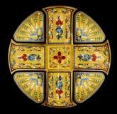 Cruz santa de oro aislada Imagen de archivo