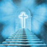 cruz santamente e escadaria que conduzem ao céu ou ao inferno Fotos de Stock Royalty Free