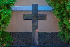 Cruz velha da igreja imagens de stock royalty free