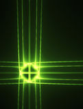 Cruz verde de la tecnología que brilla intensamente en un negro Fotografía de archivo libre de regalías