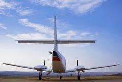 Cruzado de Cessna 303 - vista traseira 02 foto de stock royalty free