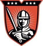 Cruzado do cavaleiro com protetor da espada ilustração royalty free