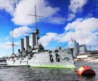 Cruzador Avrora na cidade St-Petersburgo imagem de stock royalty free