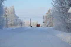 Cruzamento de estrada de ferro no inverno Fotos de Stock Royalty Free