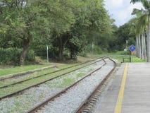 Cruzamento de estrada de ferro, opinião da estação Fotografia de Stock Royalty Free