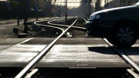 Cruzamento de estrada de ferro com fundo obscuro imagem de stock