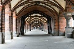 Cruzamento de pedestre sob a ponte Oberbaumbueck imagem de stock royalty free