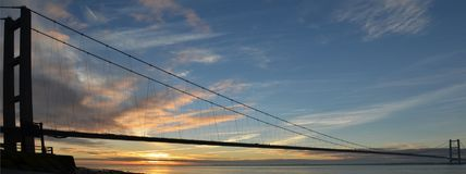 Cruzamento de rio Kingston Upon Hull da ponte de Humber imagens de stock royalty free