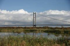 Cruzamento de rio Kingston Upon Hull da ponte de Humber foto de stock
