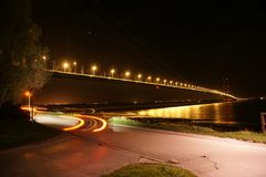 Cruzamento de rio Kingston Upon Hull da ponte de Humber foto de stock royalty free