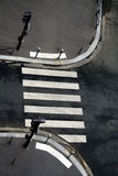 Cruzamento de zebra ou crosswalk Fotos de Stock Royalty Free