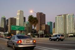 Cruzamento em Los Angeles no alvorecer imagem de stock