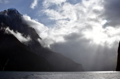 Cruzamento em Milford Sound Fiordland Nova Zelândia Imagens de Stock
