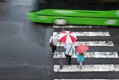 Cruzamento pedestre com carro Imagem de Stock