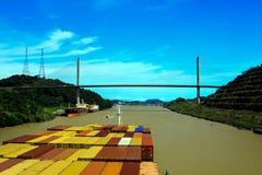 Cruzar el Canal de Panamá, corte de Culebra imágenes de archivo libres de regalías