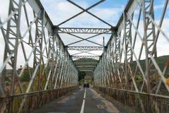 Cruzar el puente Fotografía de archivo