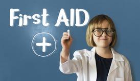 Cruze o paramédico Medication Accidental Emergency Concep dos primeiros socorros imagens de stock