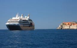 Cruzeiro em Dubrovnik fotografia de stock