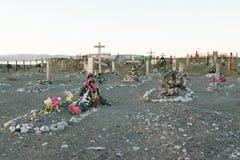 Cruzes e lápides em um cemitério Foto de Stock Royalty Free