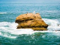 Cruzes na formação de rocha oposto ao Rocher de la Vierge Foto de Stock
