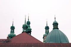 Cruzes nas abóbadas da catedral fotografia de stock royalty free