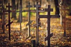 Cruzes ortodoxos de madeira velhas Imagens de Stock