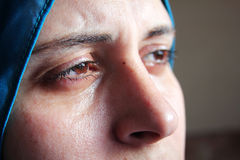 Crying arab muslim woman Royalty Free Stock Images