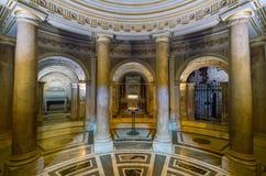 Crypt in de Basiliek van Santi XII Apostoli, in Rome, Italië stock afbeelding