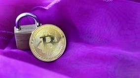 Crypto munt, bitcoin BTC, Beetjemuntstuk Blockchaintechnologie, bitcoin mijnbouw stock footage