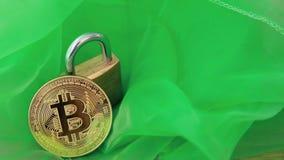 Crypto munt, bitcoin BTC, Beetjemuntstuk Blockchaintechnologie, bitcoin mijnbouw stock video