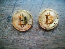 crypto muntconcept, Bitcoin op hout Royalty-vrije Stock Foto