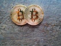crypto muntconcept, Bitcoin op hout Royalty-vrije Stock Fotografie