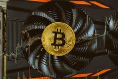 crypto waluta, menniczy bitcoin, rynek kropla, handel, czas niedźwiedzie redukcja w cenie btc spada żądanie obrazy stock