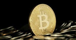 Crypto waluta Złocisty Bitcoin kawałek moneta - BTC - Makro- strzałów waluty Bitcoin crypto monety Blockchain technologia zdjęcie wideo
