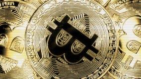 Crypto waluta Złocisty Bitcoin kawałek moneta - BTC - Makro- strzałów waluty Bitcoin crypto monety Holomatrix styl Fotografia Stock