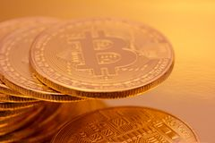 Cryptocurrencies Bitcoin golden Stockfoto