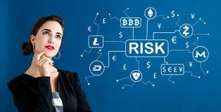 Cryptocurrency与女商人的风险题材 免版税库存图片