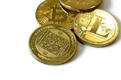 Cryptocurrency монеток изолированное на белой предпосылке стоковые фото